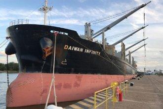 La actividad en el puerto de Concepción del Uruguay, paralizada por un conflicto gremial