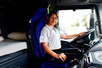"""""""Es cuestión de animarse a romper los prejuicios"""", dijo camionera entrerriana que fue contratada por empresa cordobesa"""