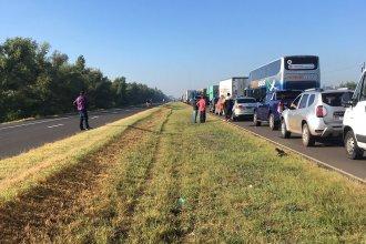 Con asistencia de Gendarmería, comienza a normalizarse el tránsito sobre la Ruta 12