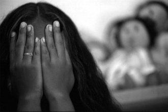 El caso de la menor que acusó a un funcionario judicial: una investigación compleja y una historia de vida desgarradora