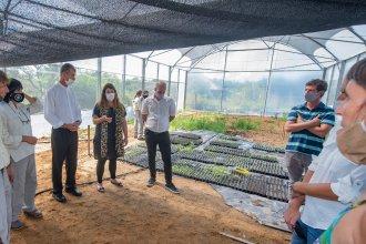 """Nuevo """"invernáculo"""" de plantas nativas en El Palmar, donado por la CARU"""
