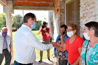 En su visita por Victoria, Bordet se comprometió a construir nuevas viviendas para el departamento