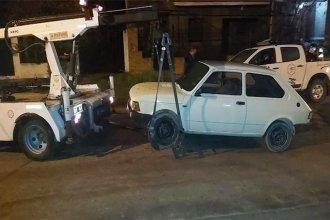 Fiestas clandestinas: detuvieron a menor que tenía arresto domiciliario y secuestraron autos