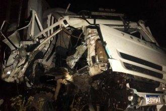 Triple choque de camiones se cobró la vida de un transportista entrerriano