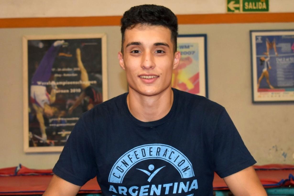 Santiago Mayol en gimnasio Azarian.