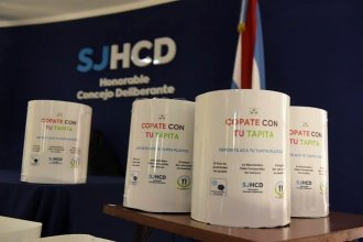 Juntar y vender tapitas de plástico: la campaña de una localidad para ayudar a su hospital