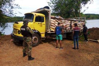 Secuestraron más de 9 toneladas de soja que iban a contrabandear por el río Uruguay