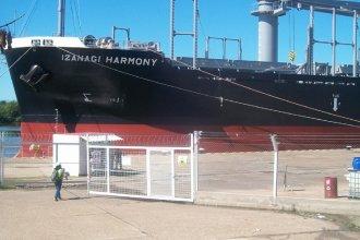 """Arribó un nuevo buque al puerto de """"La Histórica"""": cargará 17 mil toneladas de madera"""