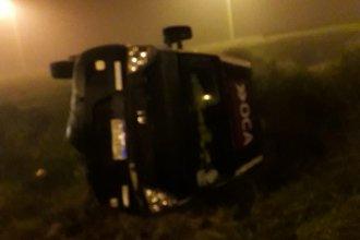 Víctima de la niebla, transportista de OCA perdió el control: despiste y vuelco