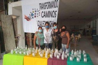 Fabricaron 250 litros de alcohol en gel para las escuelas y clubes de la ciudad