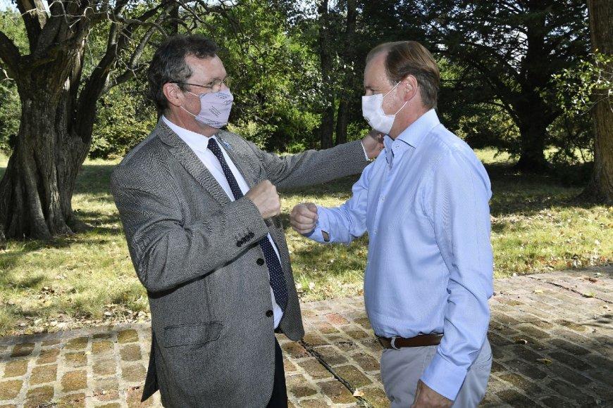 Bordet y el ministro de Cultura, Tristán Bauer.