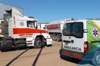 Incendio en parque industrial de la costa del Uruguay, con operarios afectados y una bombera lesionada