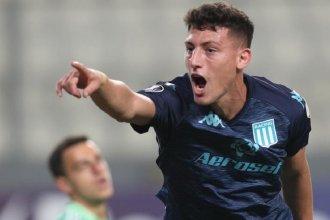 Chancalay volvió a ser la llave del gol para Racing, que ganó en Perú y dio un paso a octavos