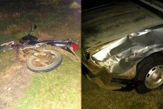 Auto se cruzó de carril e impactó de lleno contra una moto: ambos conductores habrían estado alcoholizados