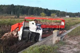 En plena autovía Artigas, se quedó dormido al volante y volcó el camión