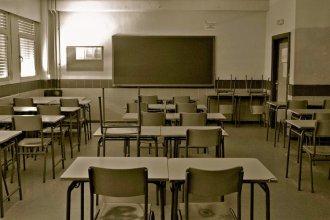 """""""Si los docentes no van a la escuela…"""": cansados de los paros y la virtualidad, convocan a una clase abierta en la esquina de Agmer"""