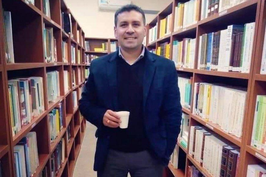 Cabral dirige la carrera de Bibliotecología.