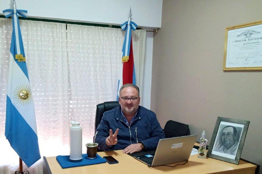 Entre banderas, con Perón, en su unidad de gestión