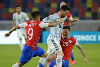 Por el primer paso, Argentina enfrenta a Chile con dos variantes en defensa
