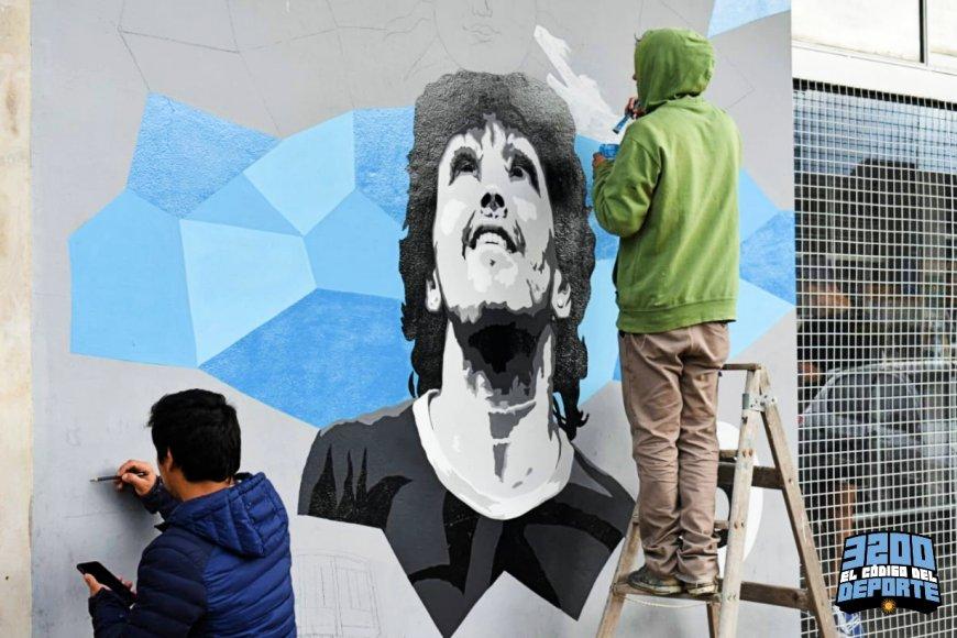 El mural con el rostro del 10, en Concordia.