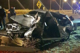 Tras el despiste de un auto, dos hombres fueron hospitalizados