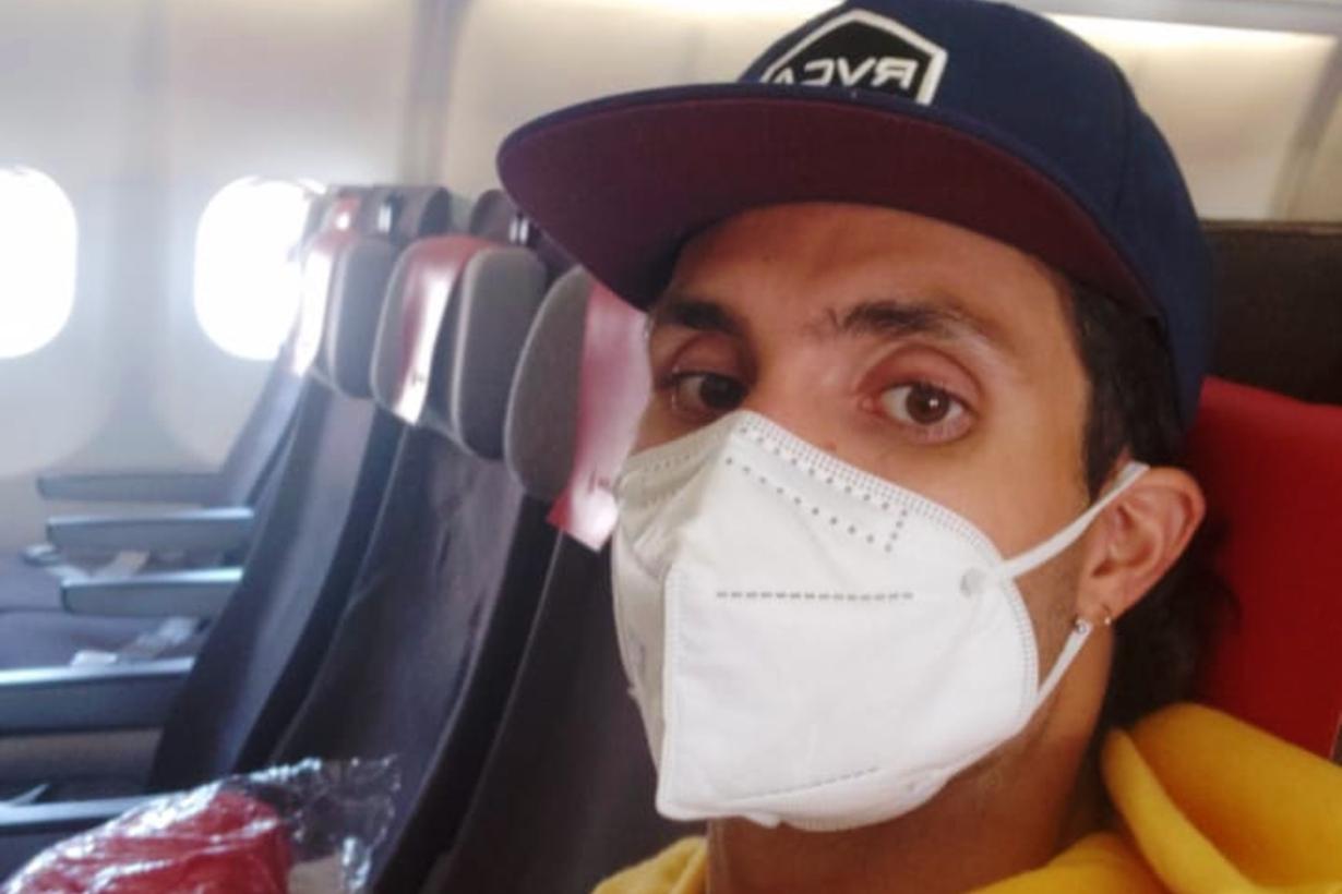 El avión lo lleva de Madrid a Lima.