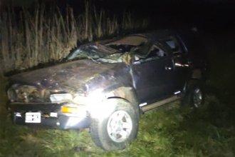 Conductor presentó lesiones tras volcar en la Autovía Artigas