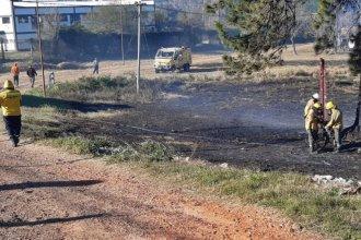 Un incendio en el terreno del exseminario cubrió de humo parte de Villa Zorraquín