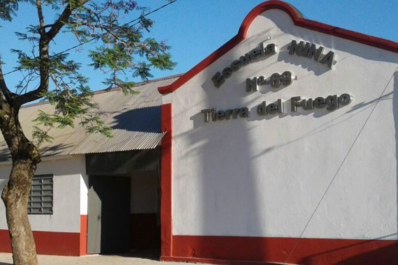 Tras romper dos puertas, entraron a robar a una escuela
