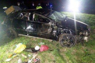 Joven conductor perdió la vida al volcar en su auto