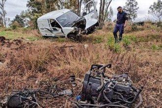 Sufrió un violento despiste en una curva y chocó, pero el cinturón de seguridad lo salvó