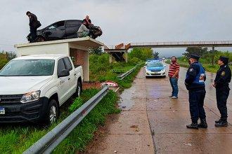 ¿Cómo llegó ese auto hasta ahí? La explicación del increíble accidente del que habló el país