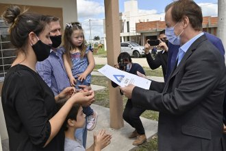 Entregaron las llaves de viviendas del IAPV a 20 familias de Hasenkamp