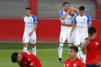 Ojeda decoró la goleada de Godoy Cruz ante Independiente