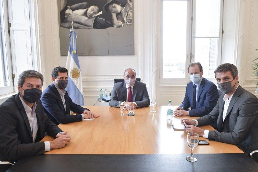 Bordet y Cresto junto a los ministros y Manzur.