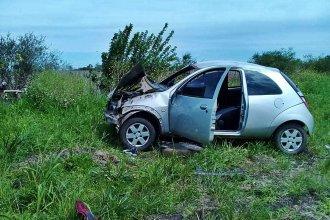 Volcó con su Ford Ka en la Ruta Nacional 18 y debió ser hospitalizada con fracturas