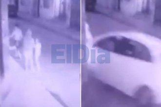 Imágenes impactantes: cinco peatones salvaron su vida de milagro cuando un auto se les fue encima