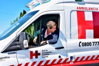 """""""Acá está el chofer de la ambulancia"""": con Cresto al volante, llegó la nueva adquisición para el hospital modular"""