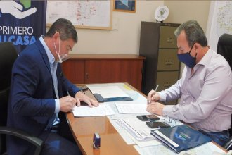 Firmaron convenios para construir 74 viviendas en tres localidades