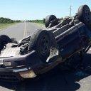 Conductor perdió la vida luego de volcar en su camioneta