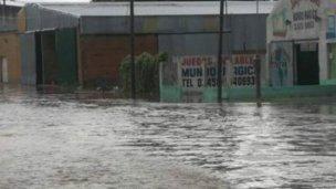 Desborde y evacuaciones en Feliciano