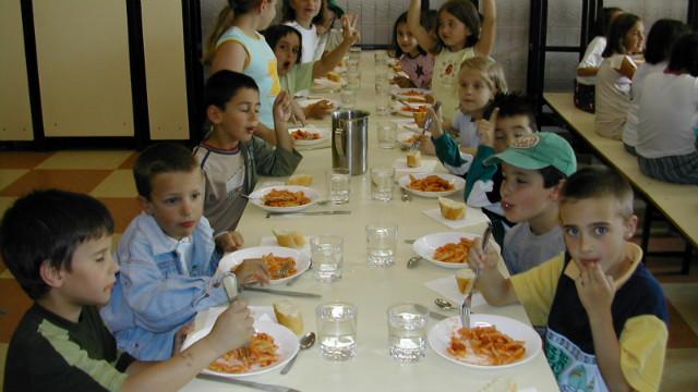 Piden m s dinero para los comedores escolares de entre for Comedores en concepcion