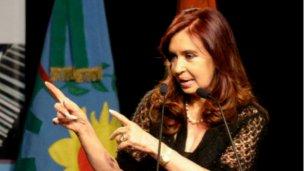 CFK amenaza con intervenir Tucumán