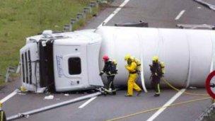Camión cortó el tránsito en ruta 12