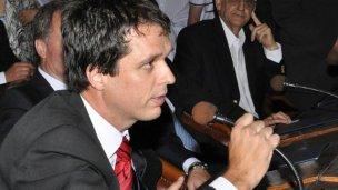 Cresto denunció a un candidato del massismo
