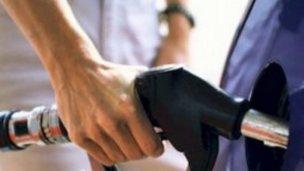 Combustible: la caída de venta fue mayor a la media nacional