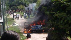 Incendian patrullero en localidad de 7000 habitantes