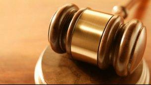 Prisión y multa por varios delitos