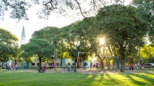 Juegos en la plaza San Martín