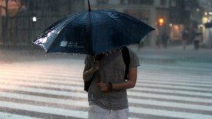 Calor y lluvias para terminar la semana